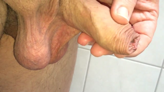 My foreskin and cockhead 01.04.2016 Silk handjob free video