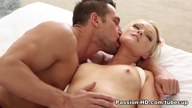 Zoey Paige in Lazy Afternoon - Passion-HD Video