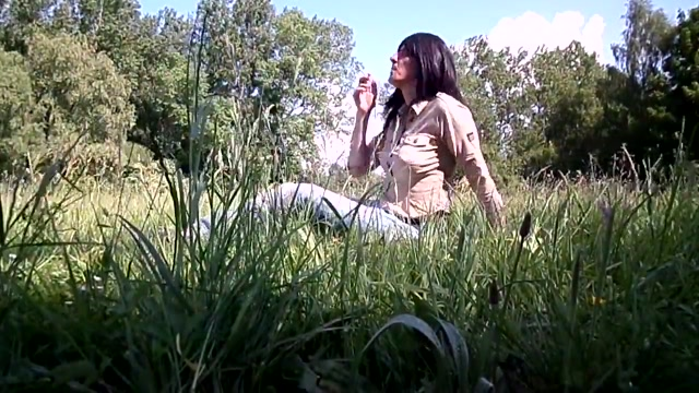 Sandralein 33 Outdoor girls show pussy in restrant