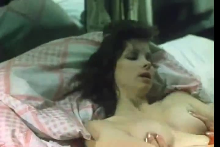 annie sprinke makes a vintage titsjob to ron jeremy Laura san giacomo blowjob