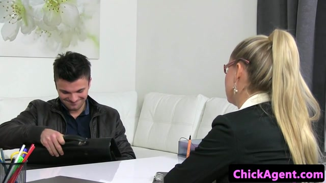 Female casting agent pussylicked and fingered
