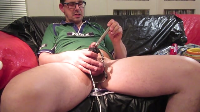 Sounding and estim in my green sport-shirt Old mature pussy porn
