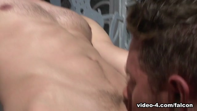 Summer Heat XXX Video: Benjamin Bradley, Devon Hunter Men sucking woman vagina and butt iut