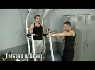 Gym buds kelly divine live cam