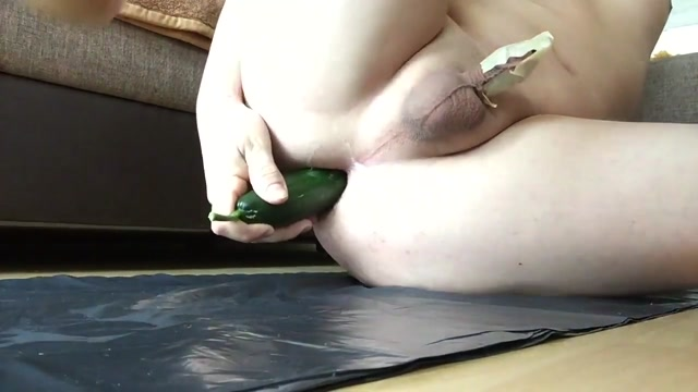 Anal toy and peehole fuck Solo masturbating trannies cumshot