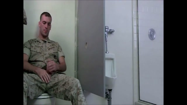 Army s gloryhole (threesome) let me see some titties