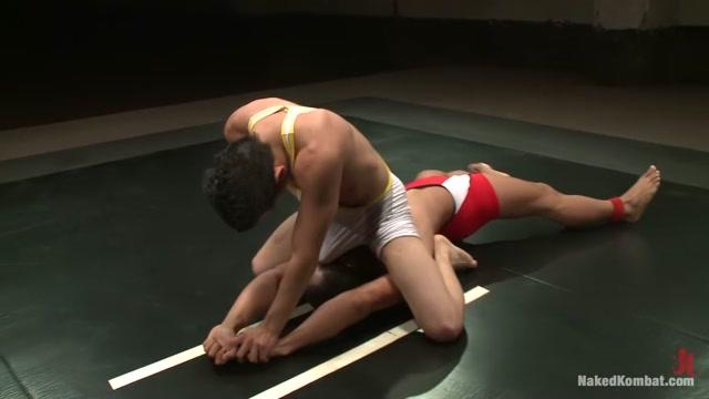 Leo Lust vs Tony Vega Hot kiss you