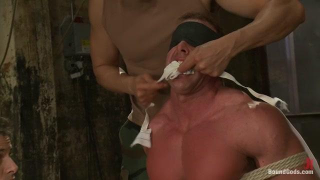 Interrogating Derek Pain - Live Shoot Big butt milf tube