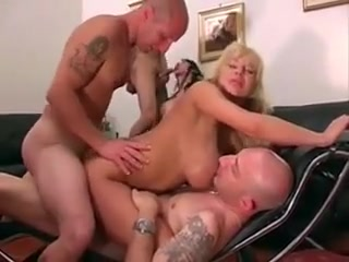 Mature bitch double anal Fuel girls having sex Joyas de Garage