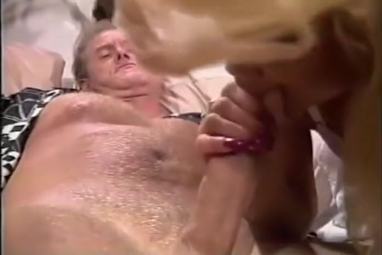 Sexy Hottie Cant Wait For Anal Creampie