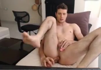 Colombian handsome boy fucks his big ass cum on cam El juego de speed dating 2 en espanol