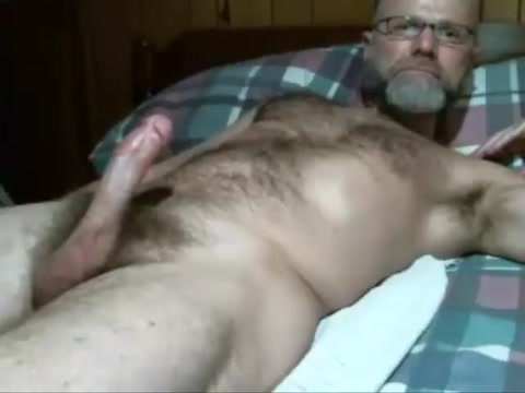 561. Daddy cum for cam Want to have some drinks in Qena