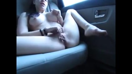 Girl records herself masturbating in the back of her car