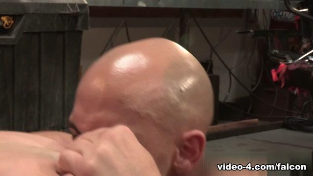 Auto Erotic, Part 1 XXX Video: Brian Bonds, Sean Zevran, Derek Atlas pink world free porn