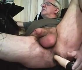 Grandpa play with a toy and cum on cam Steal your heart