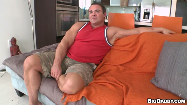 Body Builder VS 14 Inch Dick - ItsGonnaHurt adult tricycles for sale