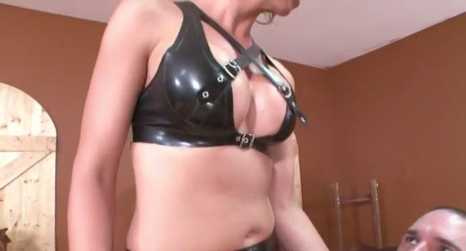 Strapon Mistress how to buttfuck a slut