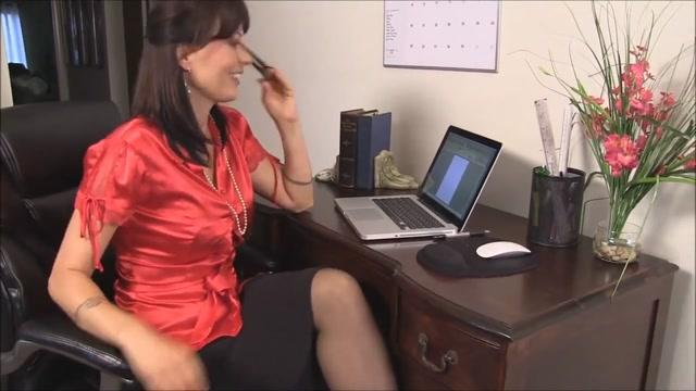 Cum on teachers pantyhose legs