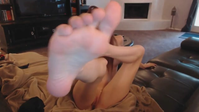Sucking On Her Toes and Fingering Her Pussy Fuck my brains out porn