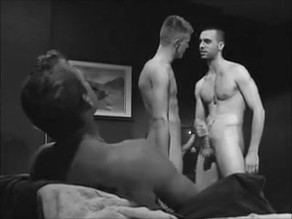 Three Dudes Get Off for Each Other Sucking own dick video