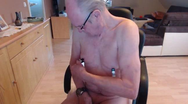 Nippel spiel sofia matthews free porn videos