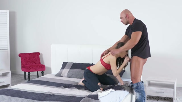 Ricci Hulk & Yenna Black in Brunette nymph loves to deepthroat - DaneJones Carolyn moore pornstar