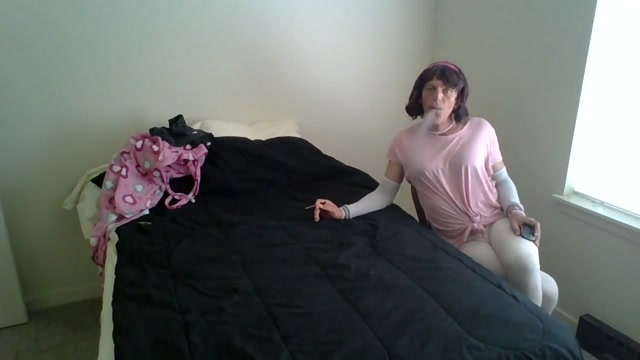 Smoking cougar tranny pregnants nudes