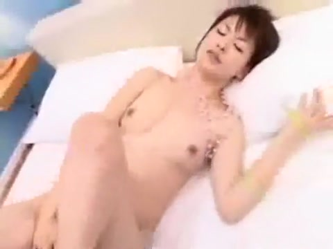 creampie Bbw covering her pussy