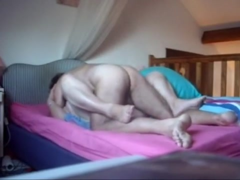 Deep fuck in her bedroom