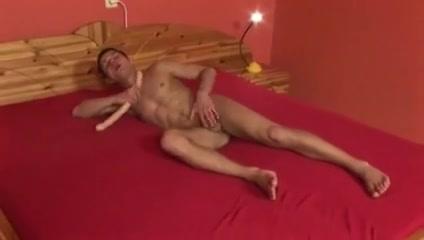 BreeParIII nude pictures of scarlet johanson