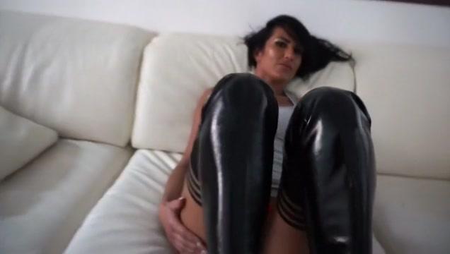 Hot milf big tits hotel Skinny girl wet pussy