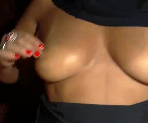 Webcam video shows a masked Arab milf masturbating hot nude delivery girl