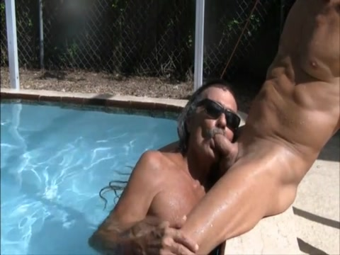 Jamie sucks jenny in the pool 1 mckinney housewives for sex
