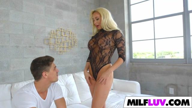 Stunning blonde MILF gets it good streaming vids 40s milf