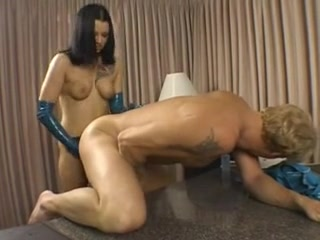 bella donna femdom scene Married women looking for discreet sex