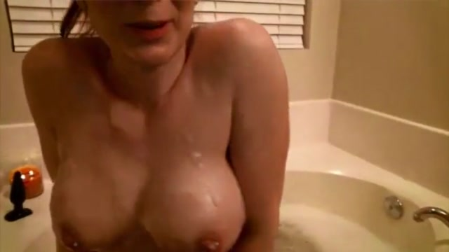 Whootylicious busty housewife takes bath and masturbates Amateur ebony blowjob pictures