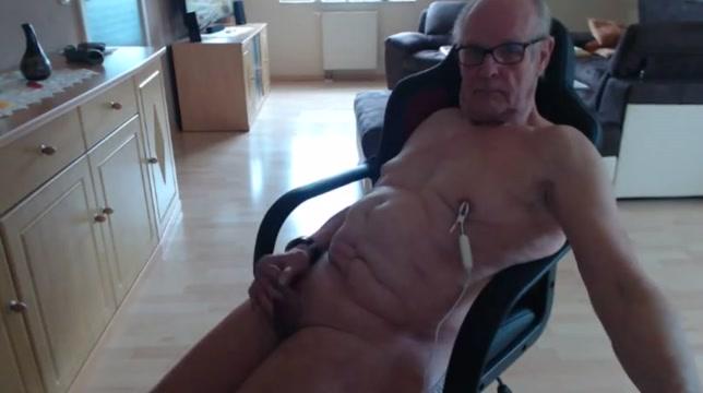 Nippel vibrator Hot blonde milf boss wings nude