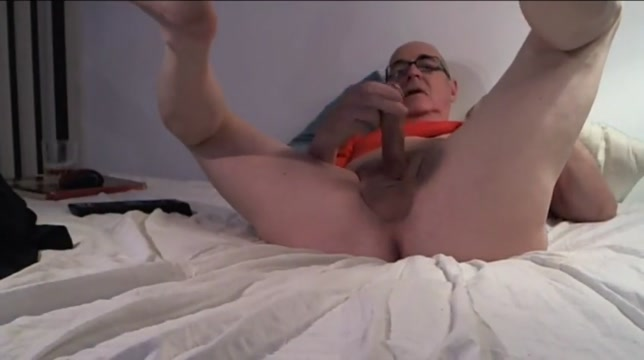 My old man 2 Sexy blonde babes have great fun licking