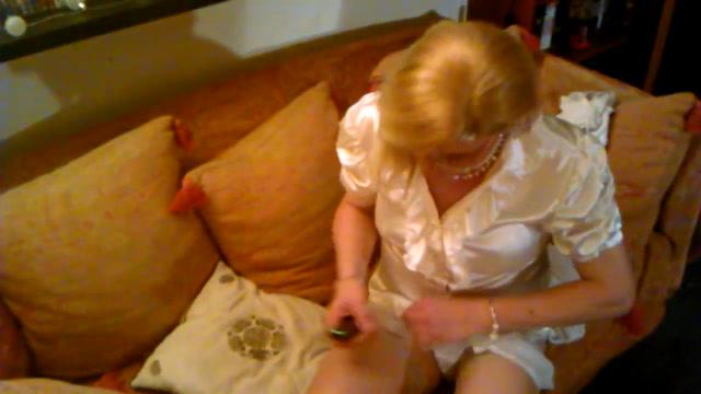 Geil mit Strumpfmaske und Dilde im Maul free hot wife rio sex videos