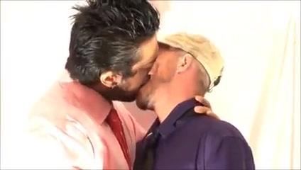 Crazy Kiss Nude mallu college girl pics