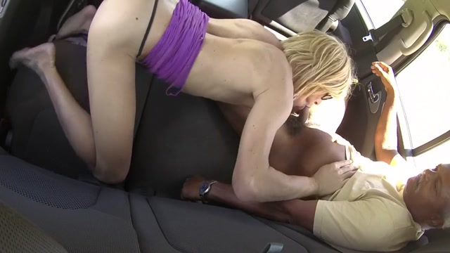 Suck and drink in the car Girls with amazing legs
