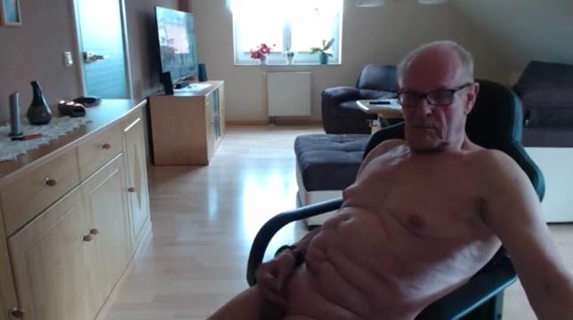 Wieder allein zu hause Teen big tits fondle porn gif