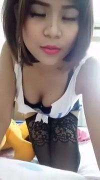 Myanmar Girl Selfie
