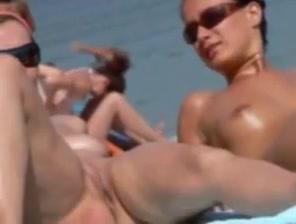 Voyeur beach Midget lady tubes