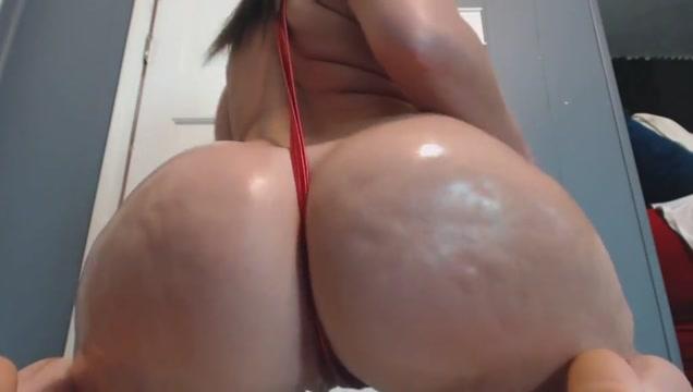 Huge ass latina shakes fat butt on cam