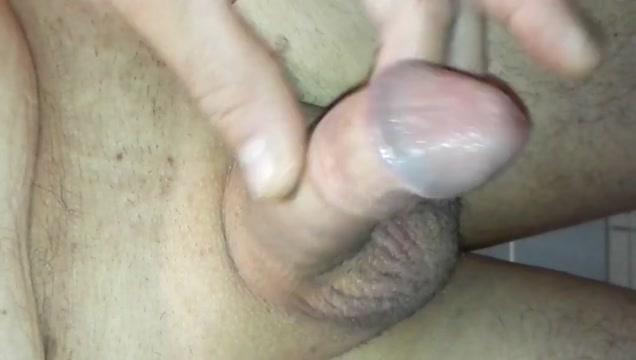 Branlette et ejaculation Lesbian seduce straight girl into lesbian sex video