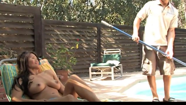 Pool boy fuck asian house owner