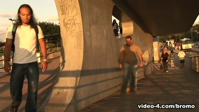Matheus Axell & Sandro Bullack in Barebacking In Rio Scene 2 - Bromo Big horny men