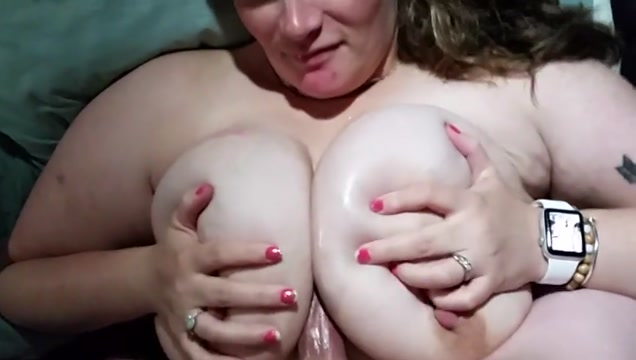 Bbw titty fuck video donne nude al mare