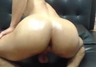 Latin SmoothBubble Butt Bouncing Show me your tiny tits